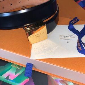 Authentic unisex Louis Vuitton classic belt